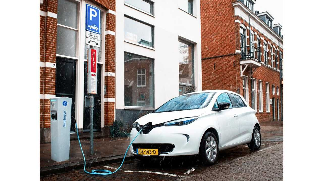 150 Renault ZOE And 1,000 Smart Solar-Charge Stations Head To Utrecht City, Netherlands