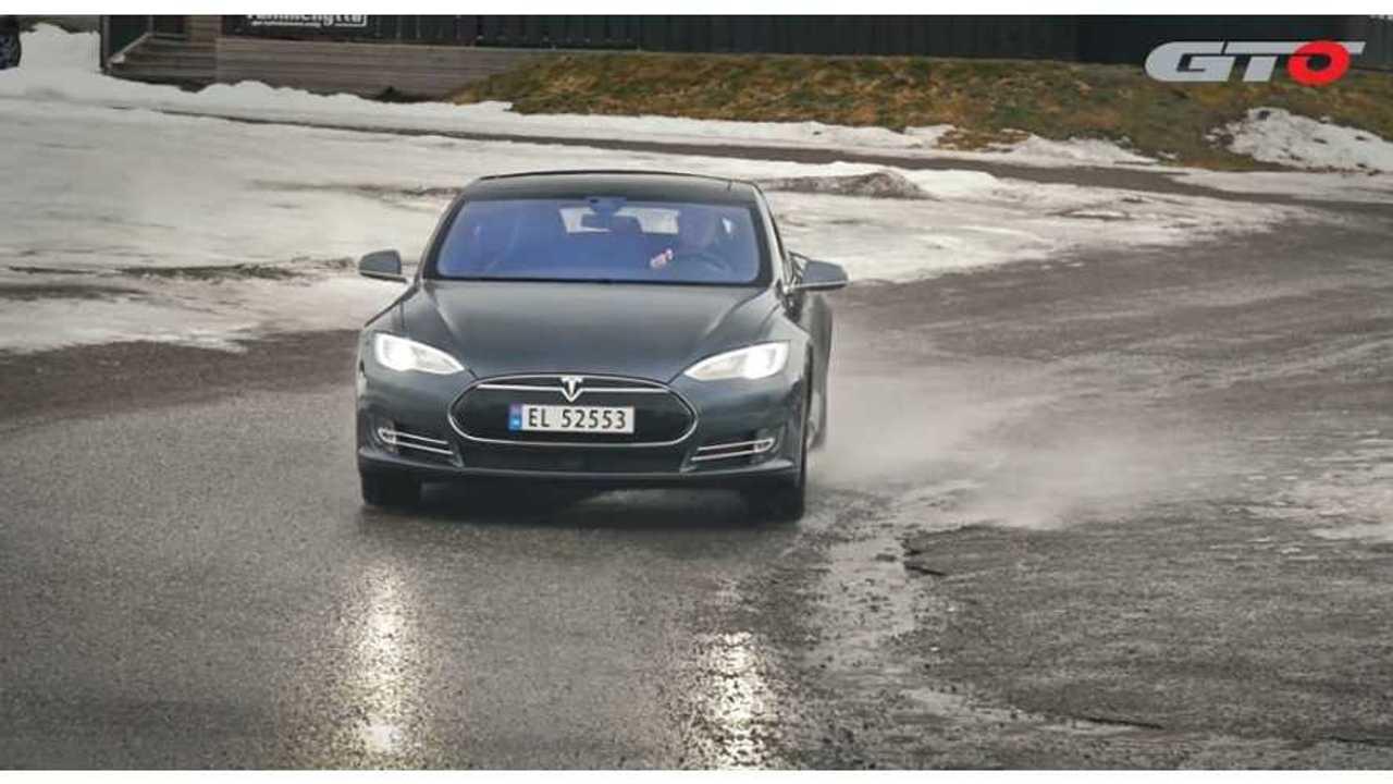 AutoWeek Road Test Of Tesla Model S P85D - Video