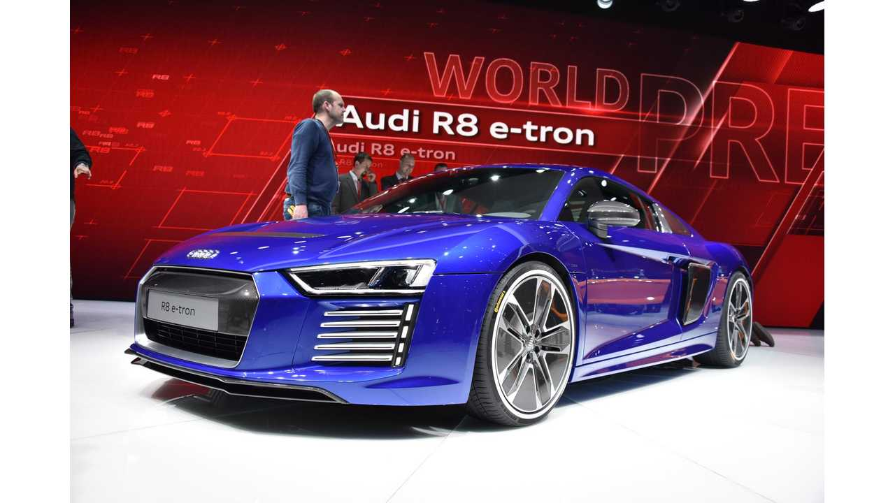 Audi R8 e-tron - Live Images + Videos From 2015 Geneva Motor Show