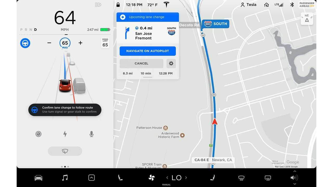 Tesla - Navigate on Autopilot - Model 3 UI - Cannot change lanes UI