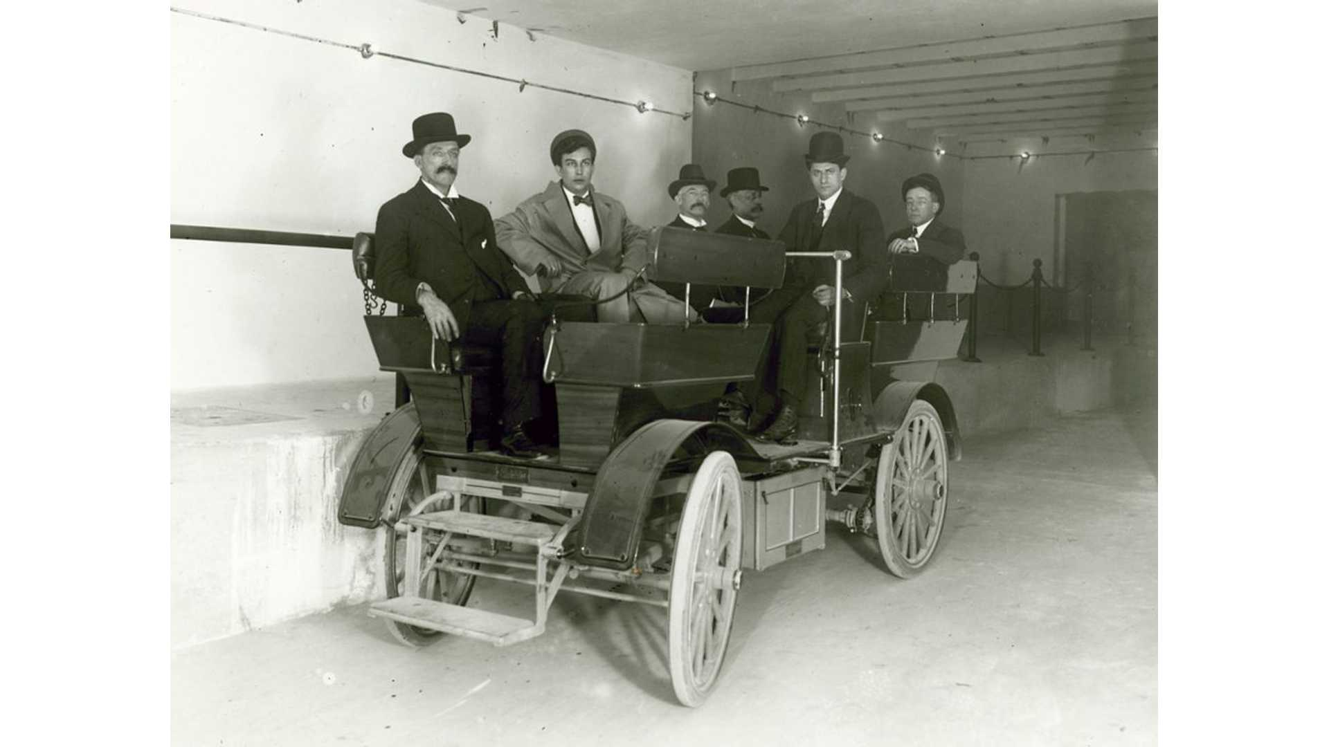 Early 1900s U S Senate Owned Two Electric Cars That Travelled Underground