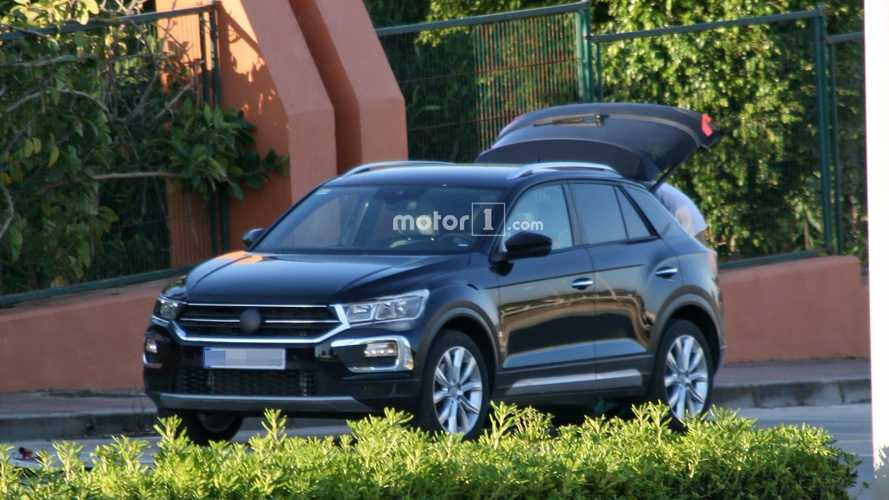 Volkswagen T-Roc Sketch Surfaces - PHEV & BEV Versions Planned