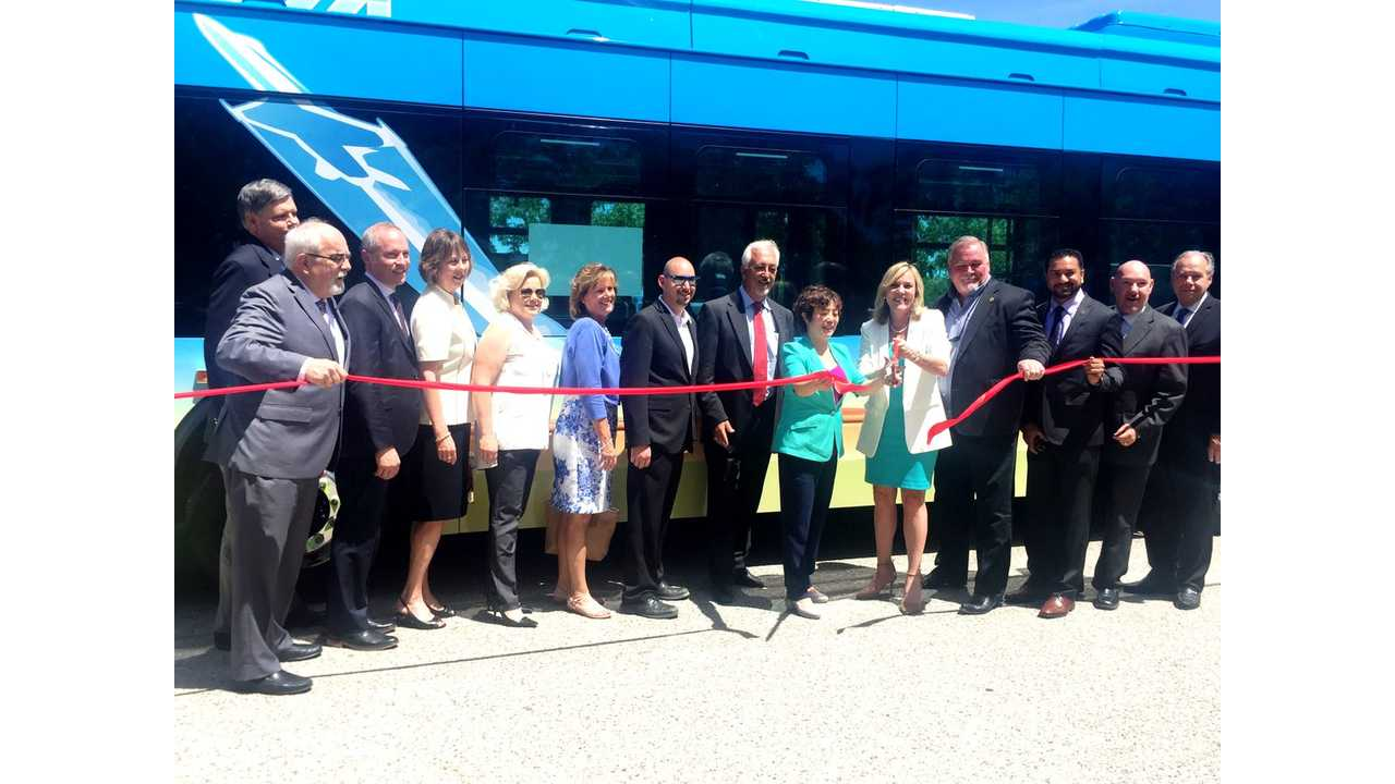 BYD Delivers First 60-Foot Electric Bus In US, Featuring 275 Miles Range