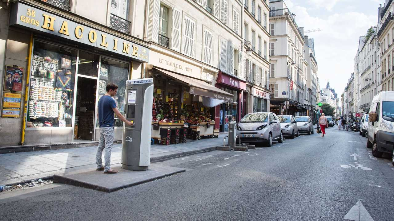 Paris Will Resume Service Of 1,000 Autolib Charging Stations