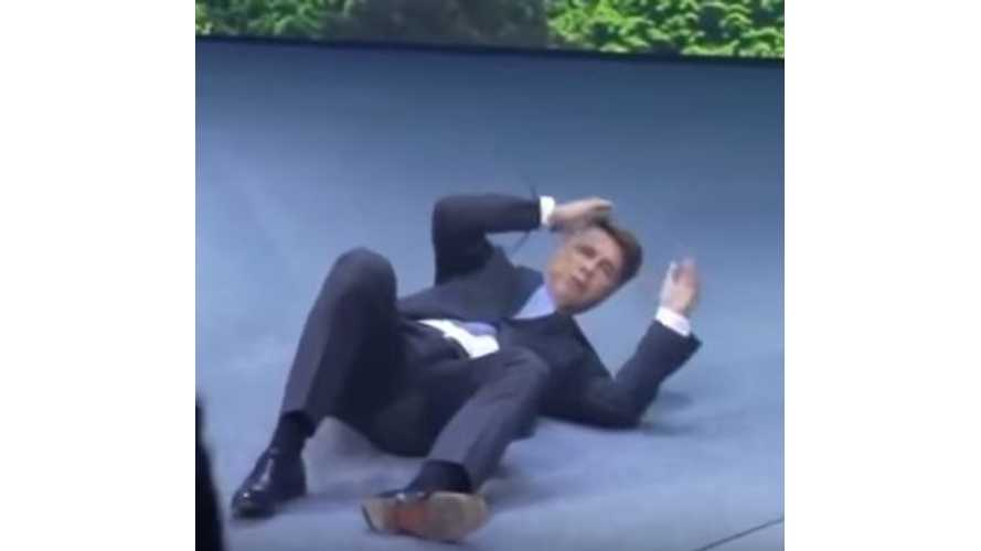 BMW CEO Faints On Stage In Frankfurt In Front Of BMW i8 - Video