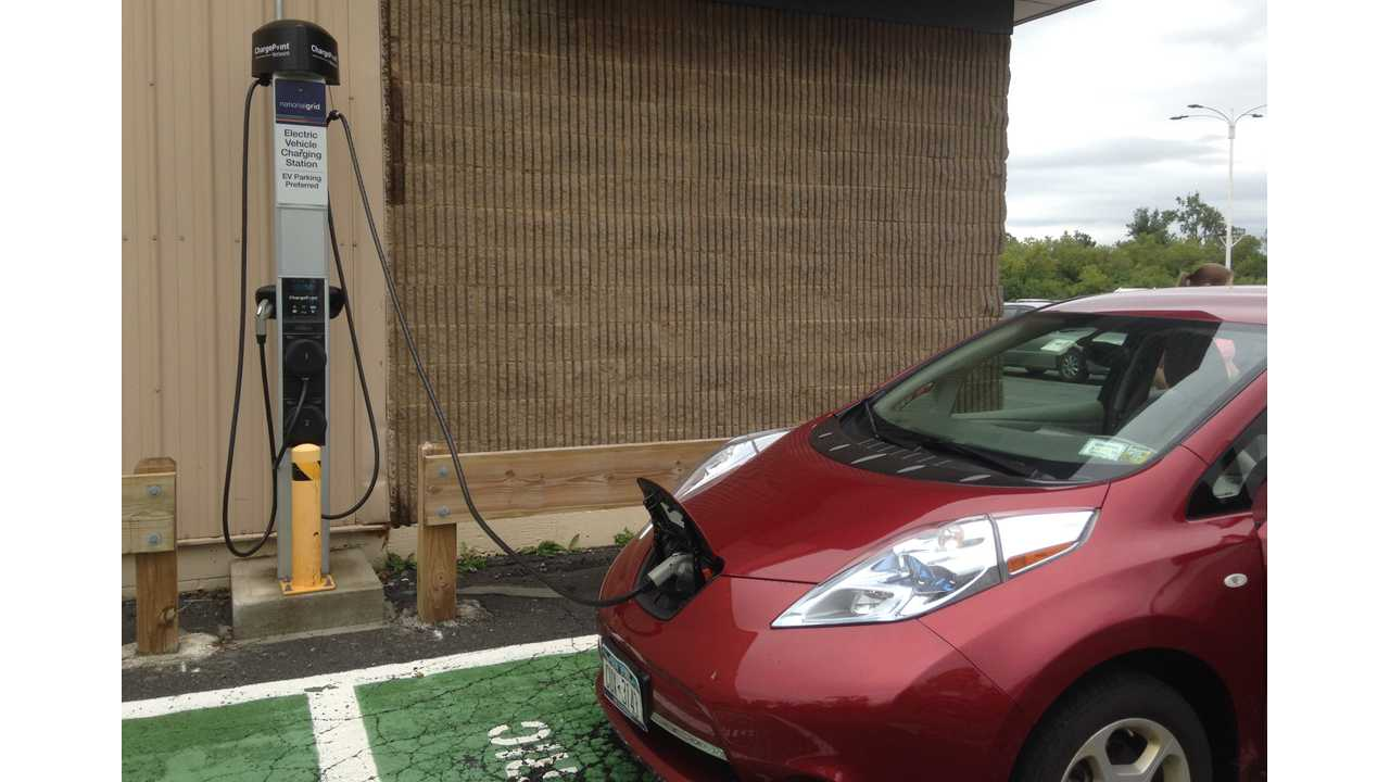 More free opportunity charging for Brian's LEAF at