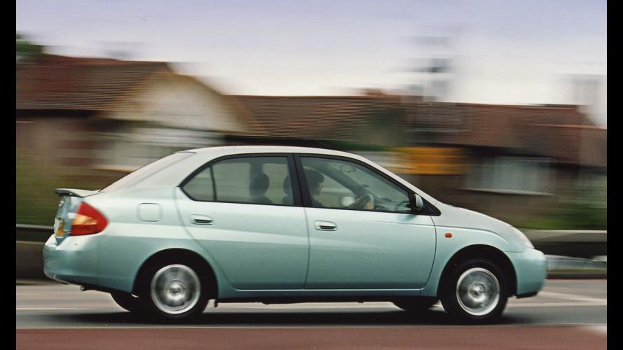 Toyota Prius, richiamo allo sterzo per la 1a serie