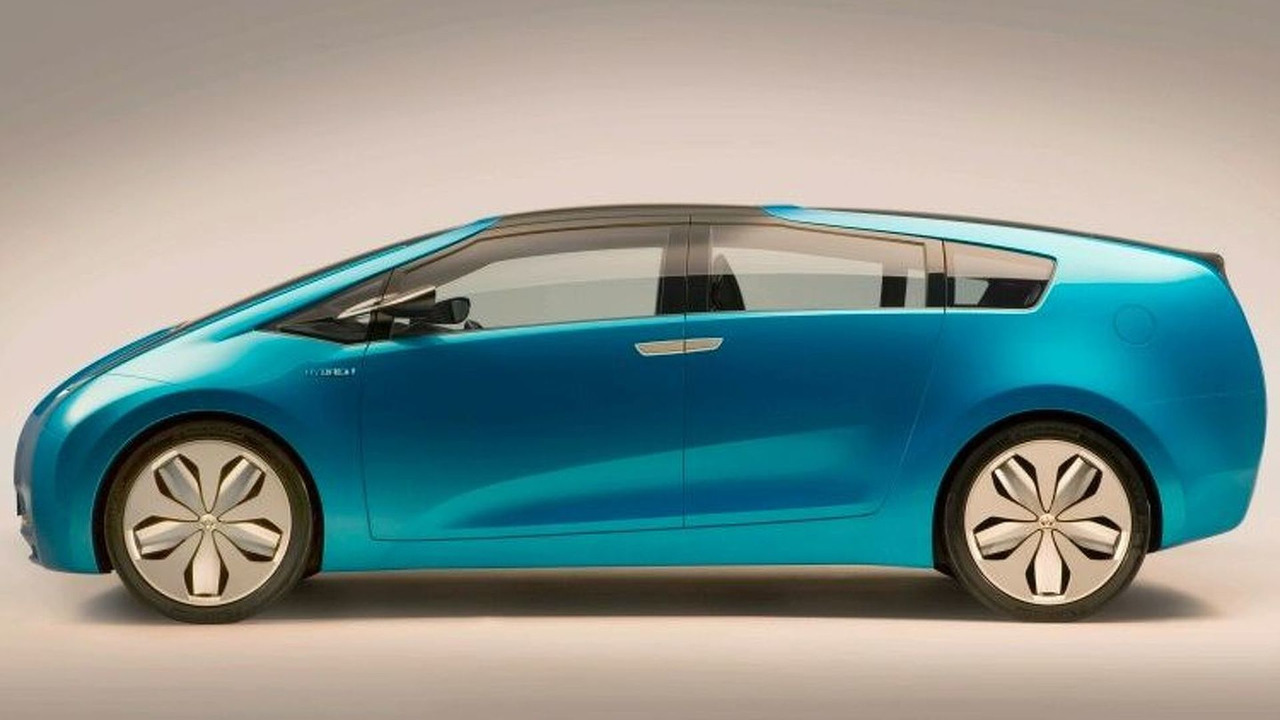Gallery Toyota To Launch Station Wagon Prius For Next Generation