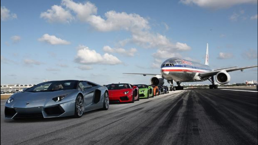 Lamborghini Aventador LP 700-4 Roadster, più veloce del Boeing 777