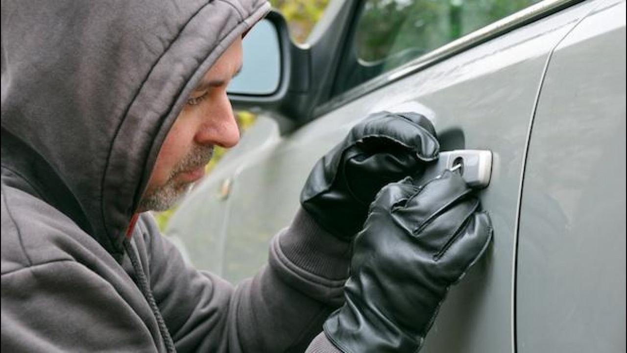 [Copertina] - I furti d'auto sono in calo