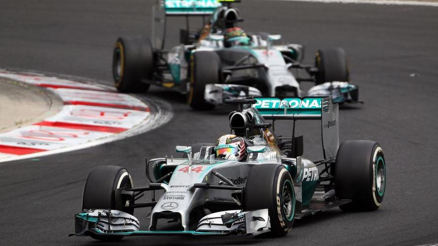 Hamilton, Rosberg disagree over need for talks