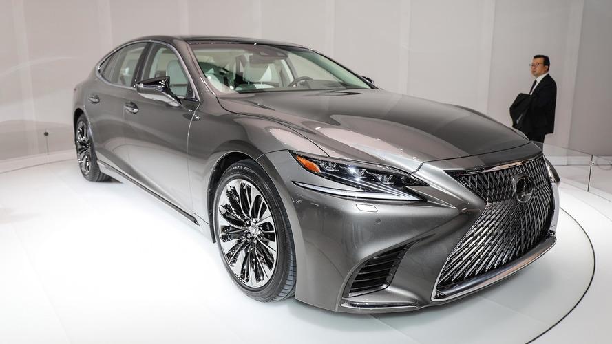 Lexus LS 2018 estreia supertecnológico e com menos