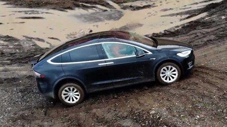 Vídeo: Tesla Model X, ¿qué capacidades 'off road' tiene?