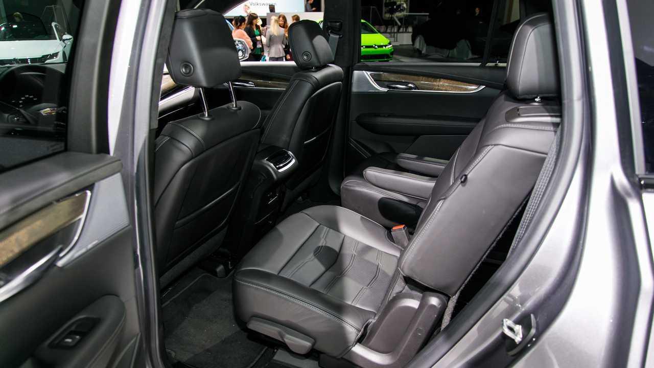 2019 Cadillac XT6'nın Detroit Otomobil Fuarı'ndan Görüntüleri