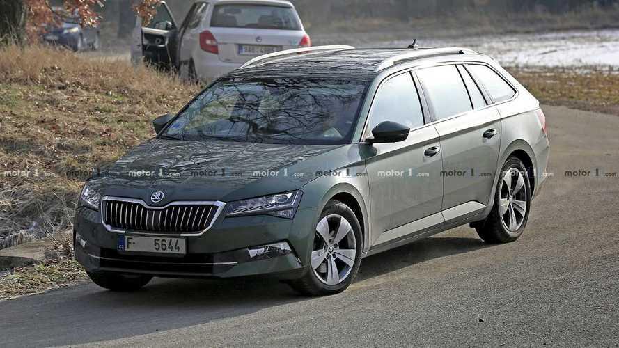 La Škoda Superb restylée apparaît sur de nouvelles photos