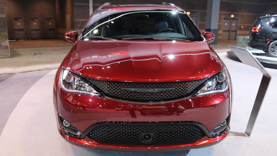 2019 Chrysler Pacifica and Dodge Grand Caravan 35th Anniversary Editions