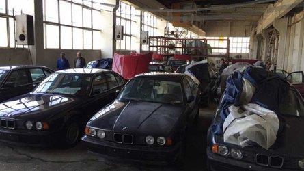 Die wahre Geschichte über die 11 unbenutzten E34 5er-BMWs