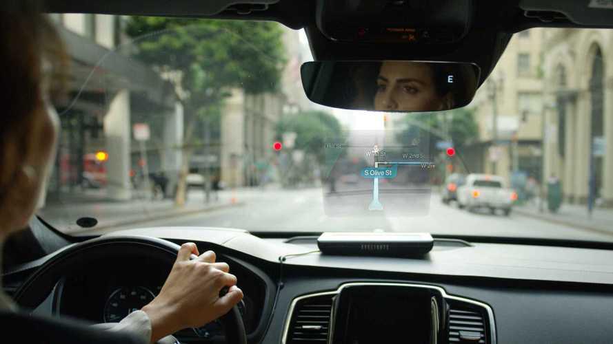 Coup de Cœur: Conduisez en toute sécurité avec EyeDrive, le  nouvel assistant holographique automobile.