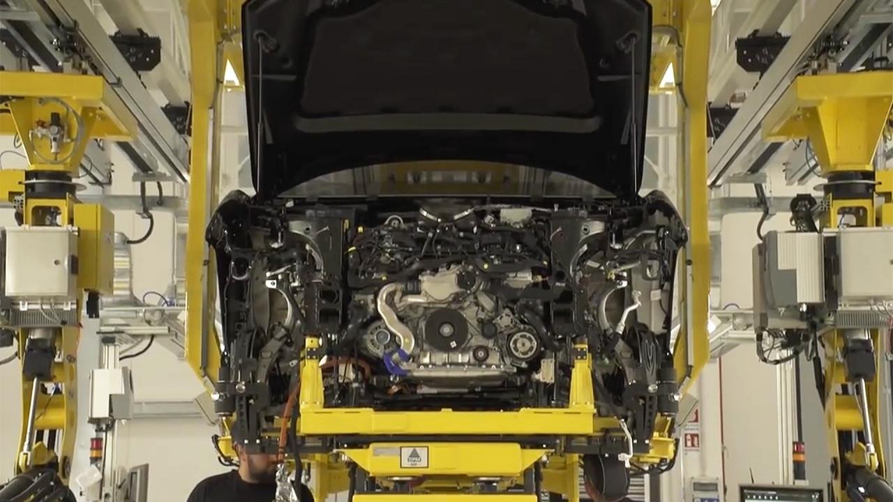[Copertina] - Lamborghini Urus, video teaser dalla fabbrica
