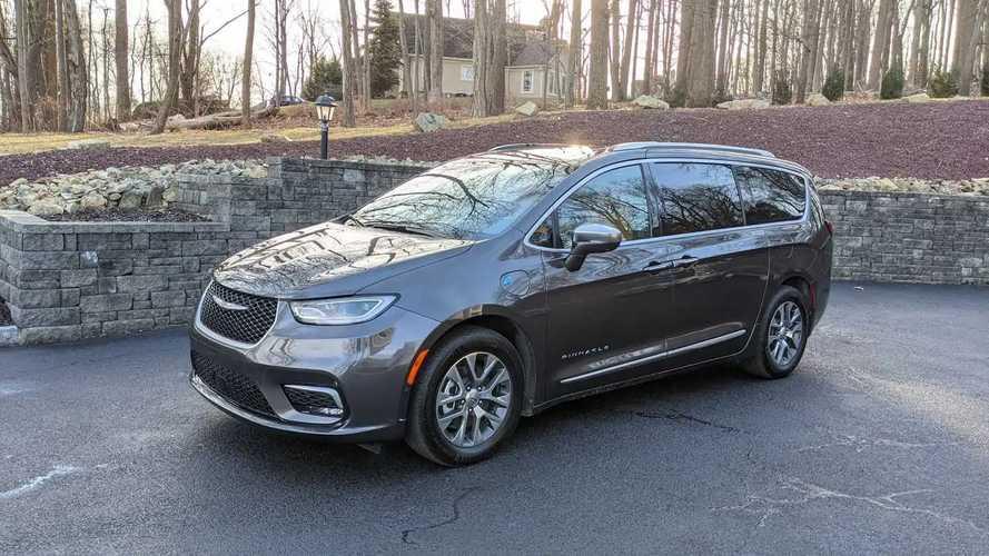 Chrysler Pacifica 2022 Bakal Dapat Versi FWD dan Update Lainnya