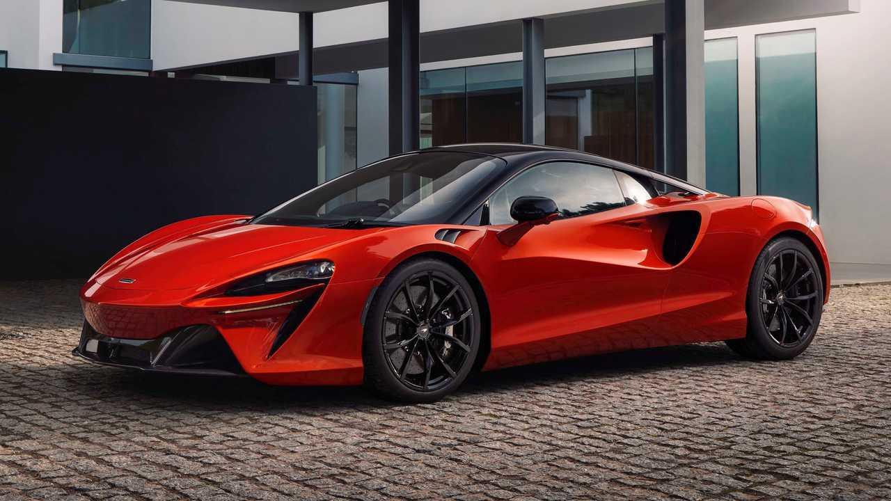 Supercar hybrid seri produksi pertama dari McLaren, Artura.