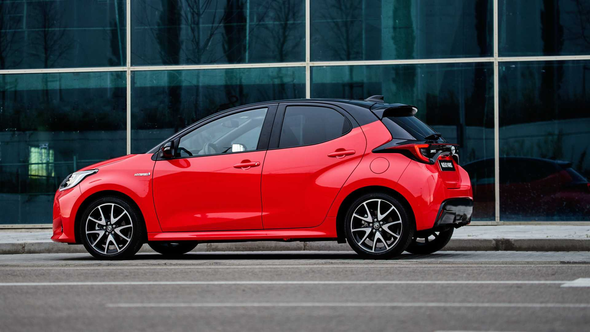 Toyota Yaris Hybrid Style Premiere Edition 2021: resérvalo ya |  Motors-Addict