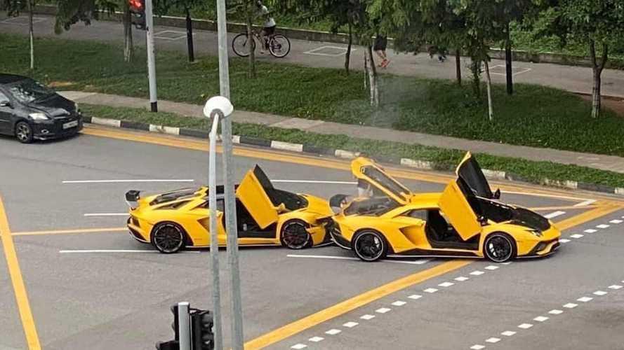 Videó: csúnyán összeütközött két sárga festésű Lamborghini Aventador
