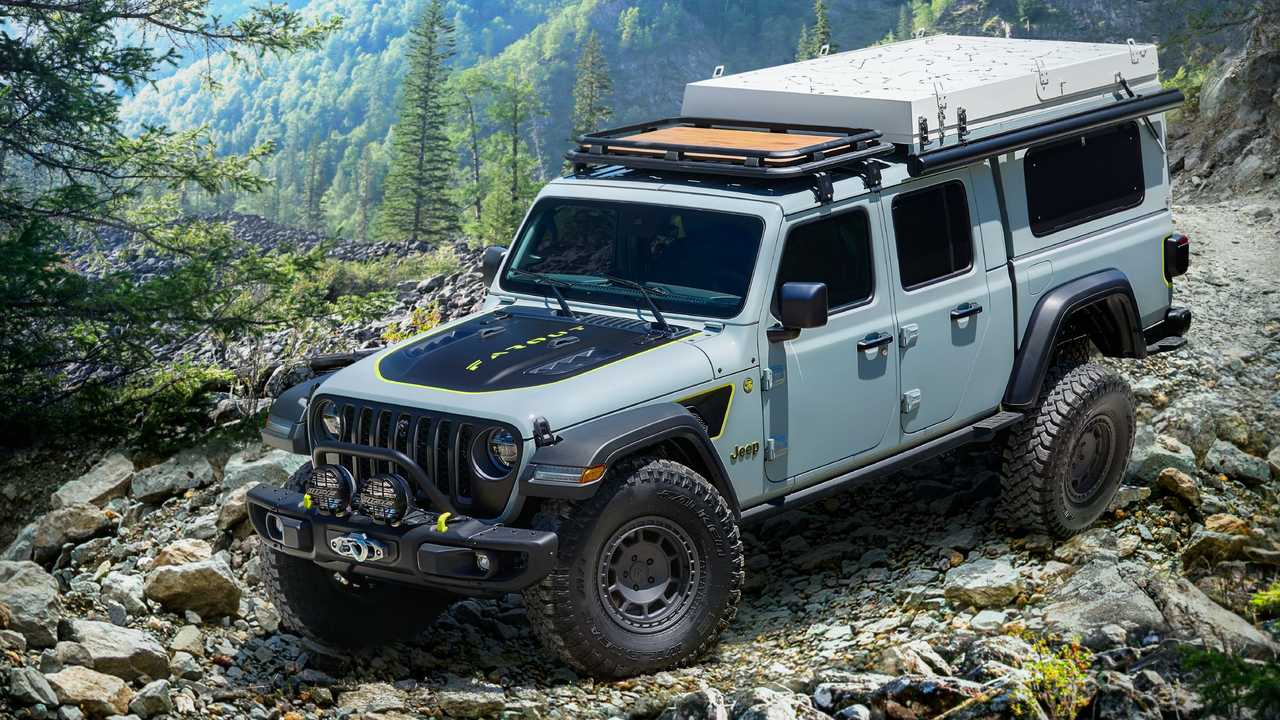 Jeep Gladiator Farout Concept Front 3/4