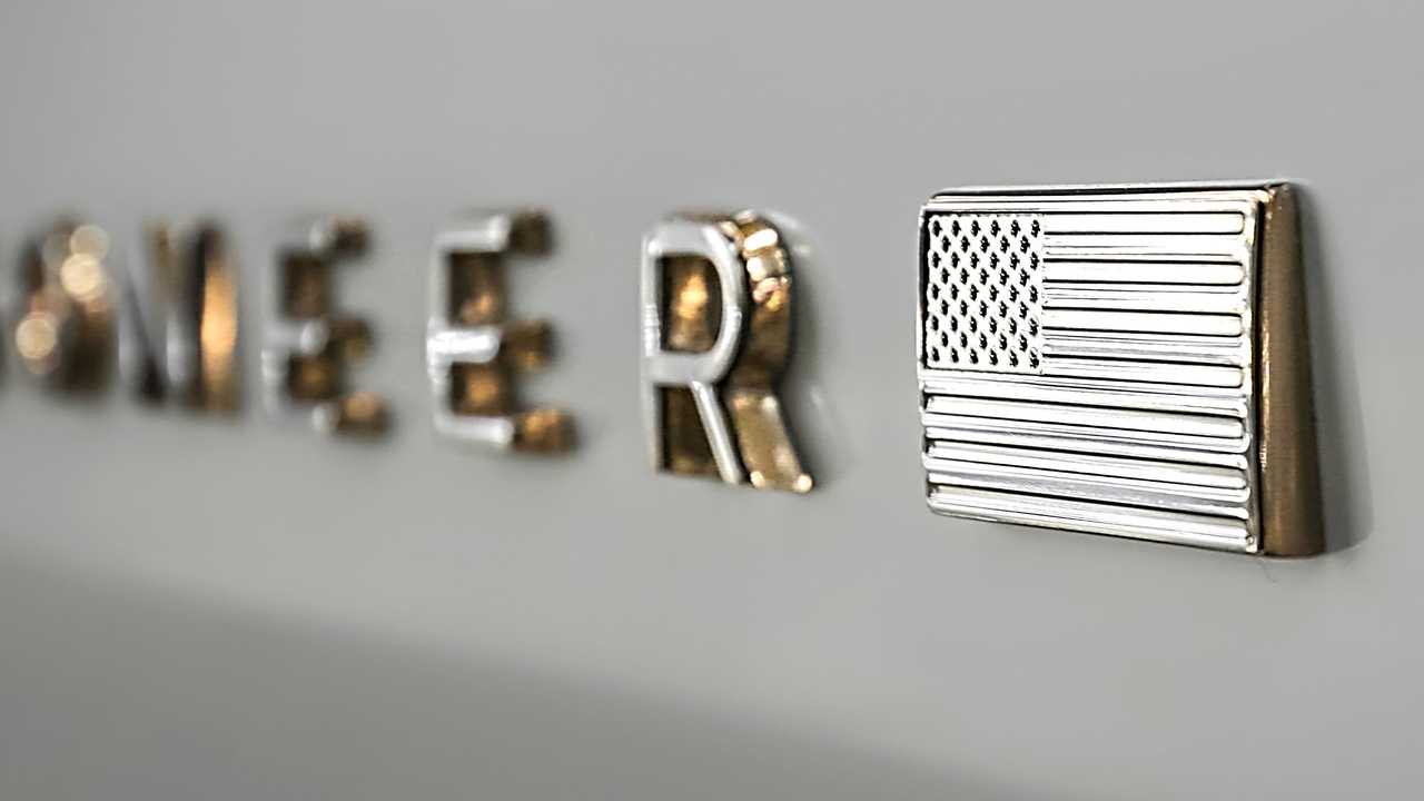 2022 Jeep Wagoneer badge