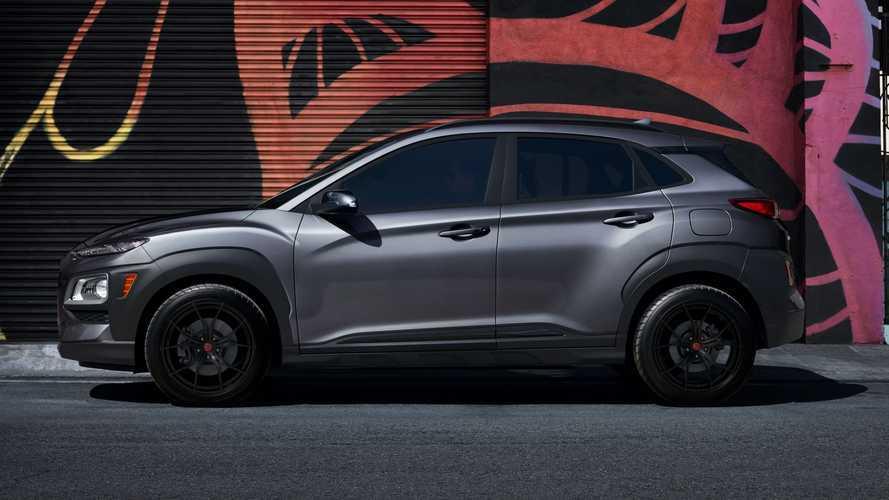 Hyundai Kona получит «очень темную» версию белого цвета