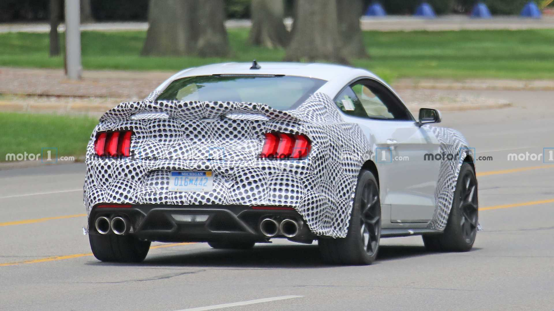 2014 - [Ford] Mustang VII - Page 18 Ford-mustang-mach-1-spy-shots