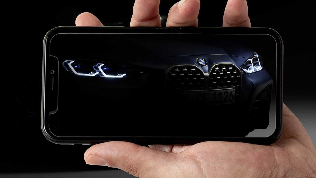 BMW Serie 4, debutto online