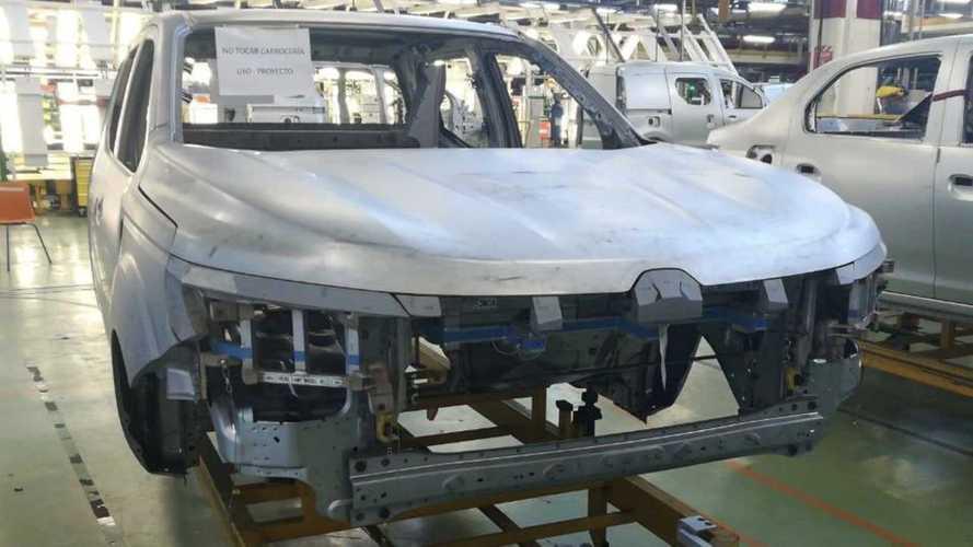 Renault Alaskan já começou a ser feita em pré-série na Argentina