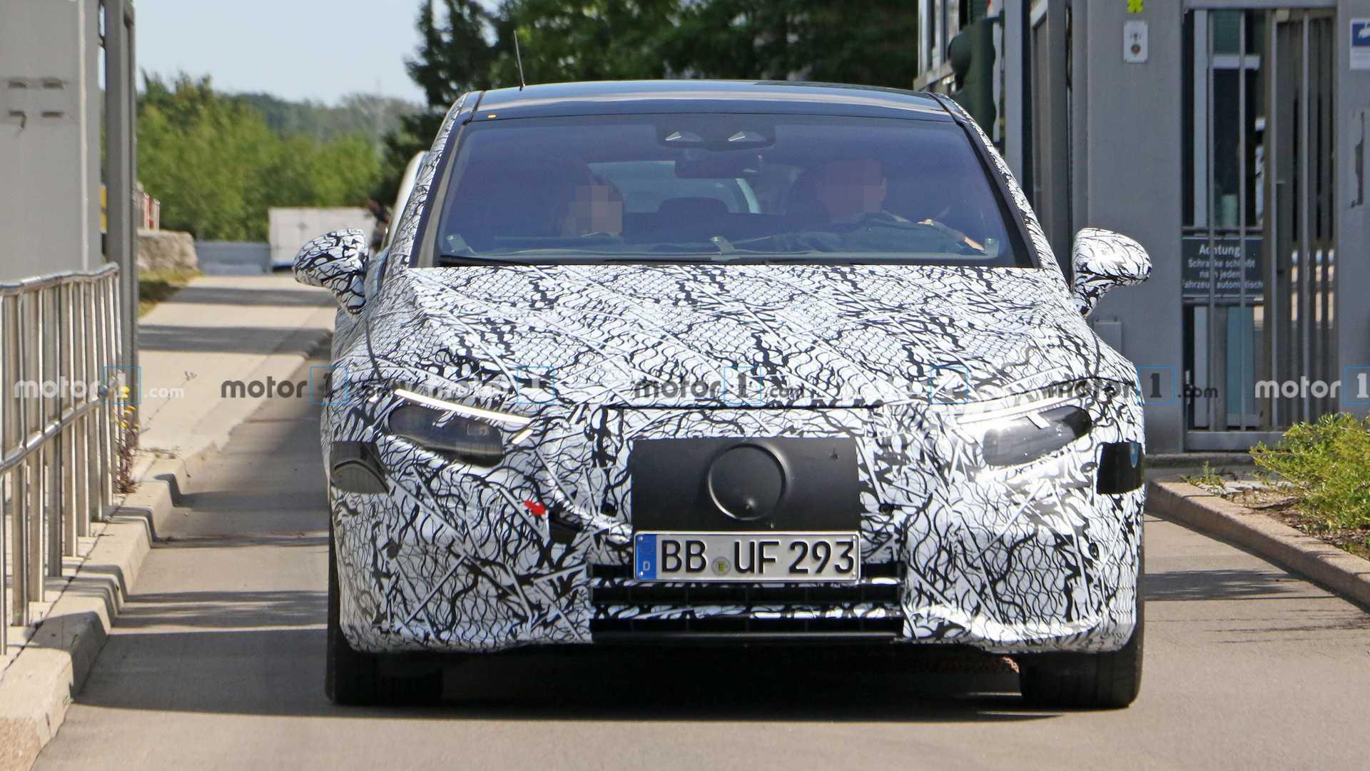2020 - [Mercedes-Benz] EQ S - Page 4 Mercedes-benz-eqs-spy-shots-front