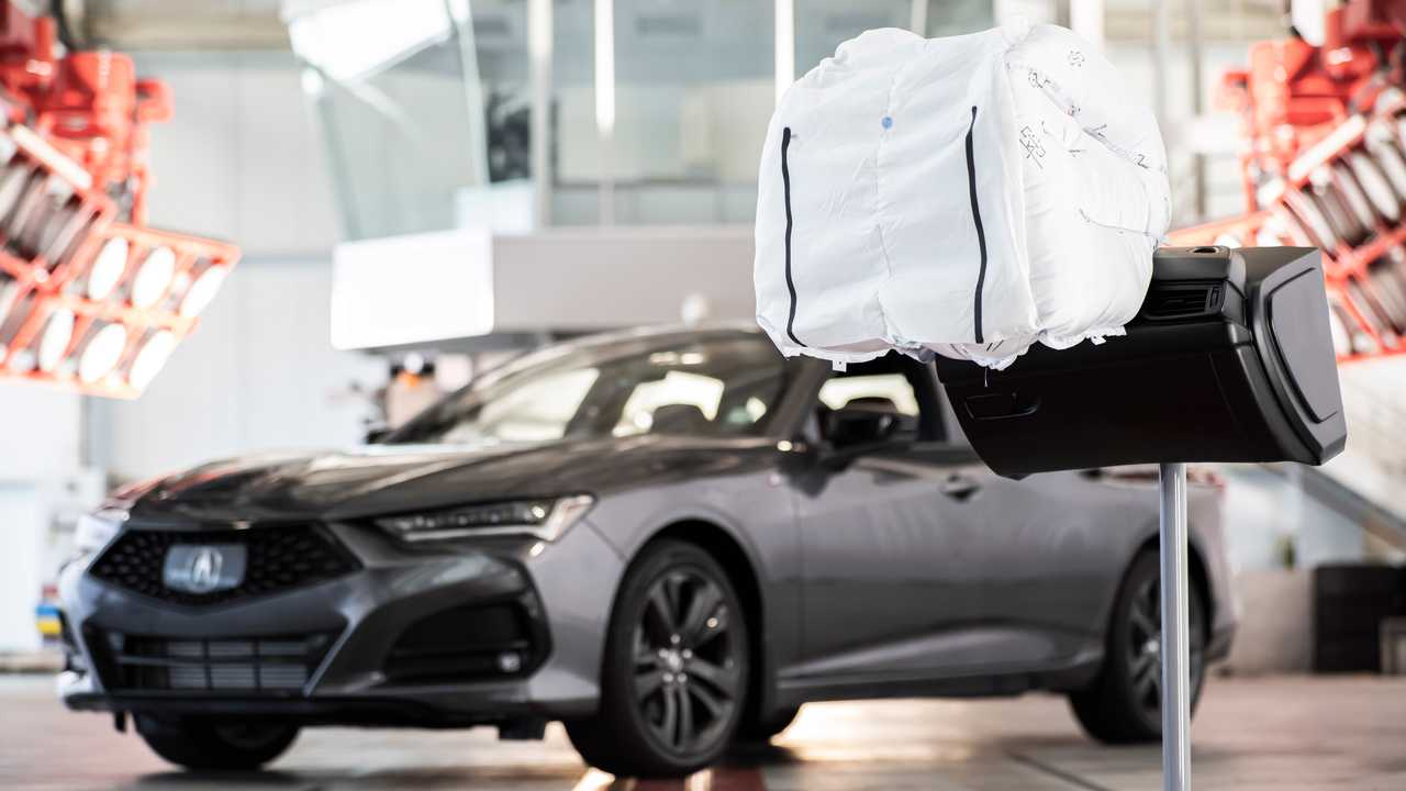 2021 Acura TLX Three-Chamber Airbag