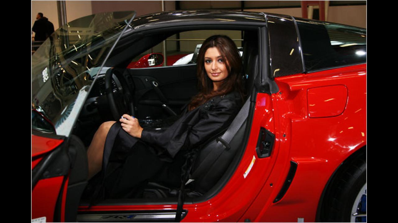 Rote Autos und schöne Frauen: Das ist Italien ...