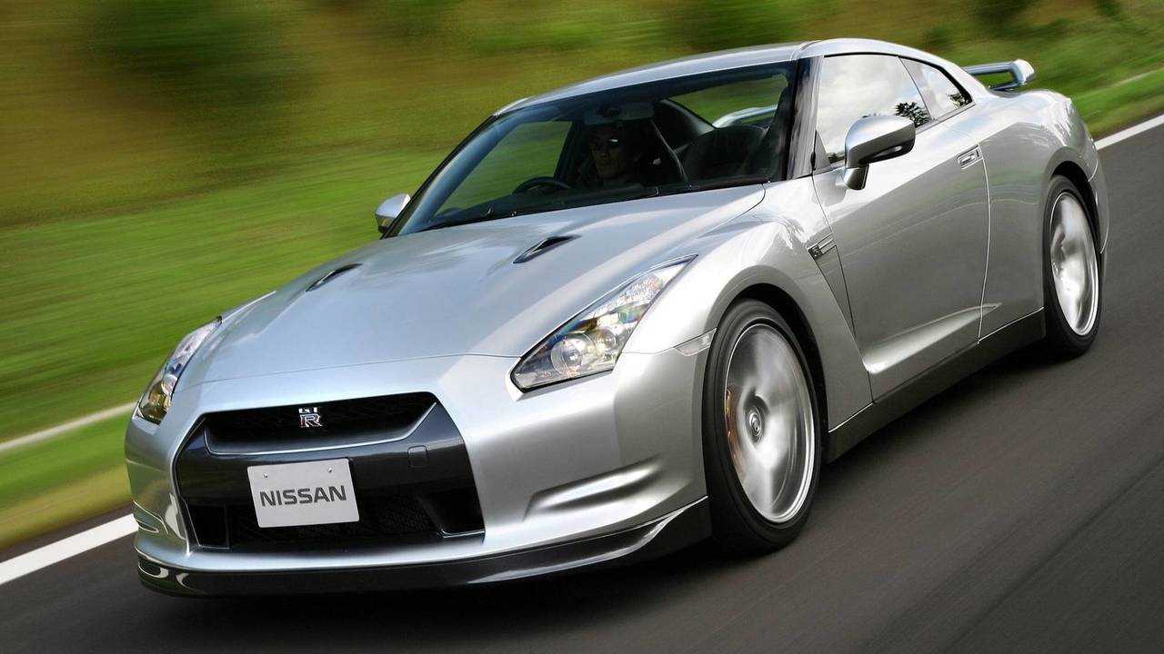 2009 World Performance Car: Nissan GT-R
