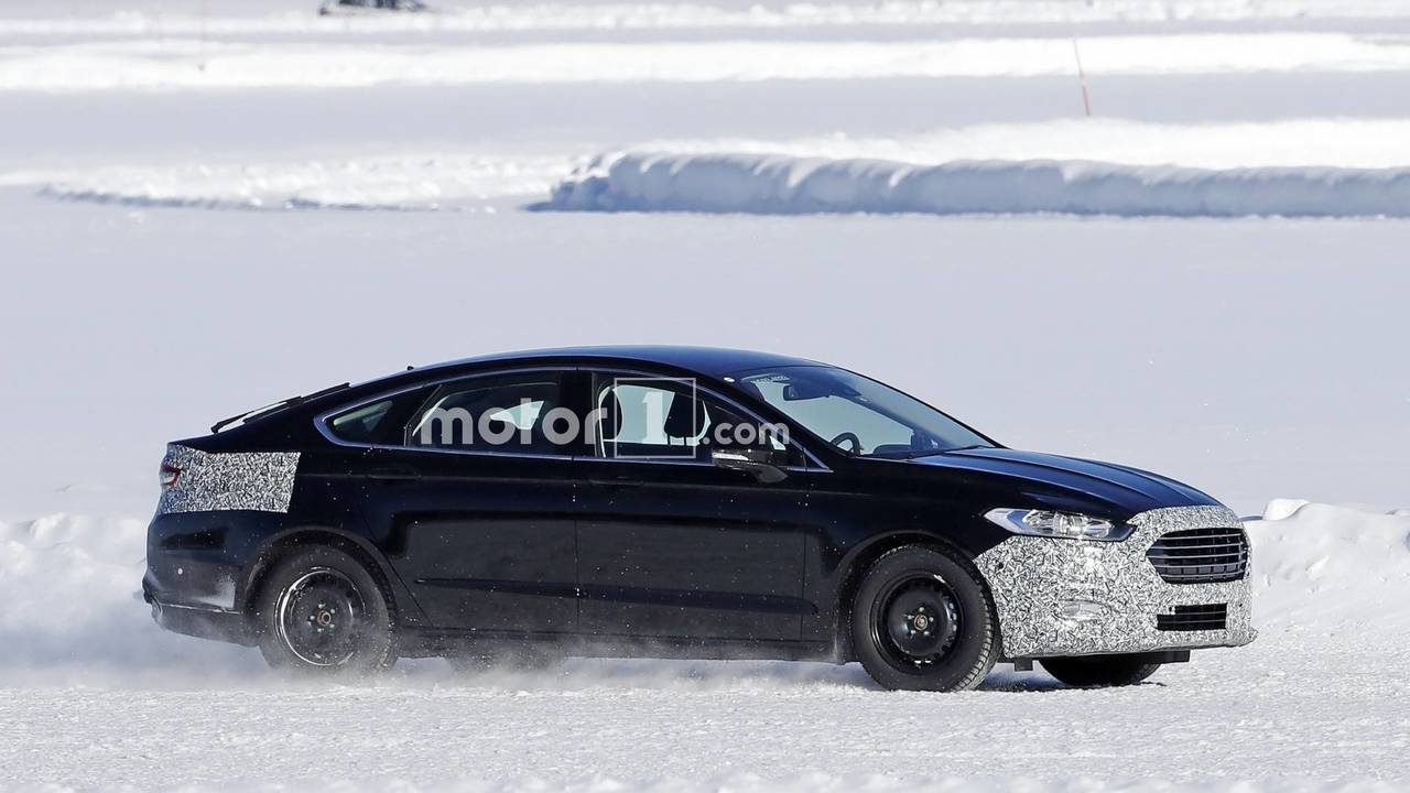 Ford Mondeo facelift spy photo
