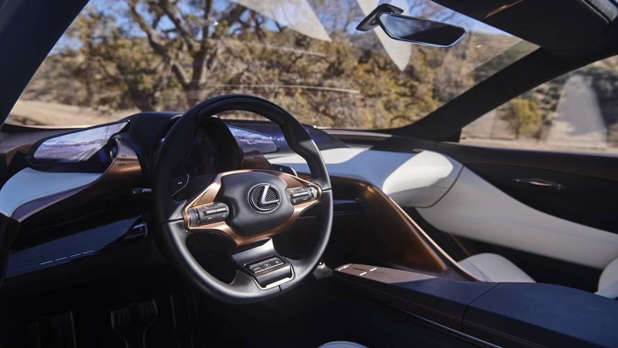 Lexus: veszélyes önvezető autókat engedni a városokba