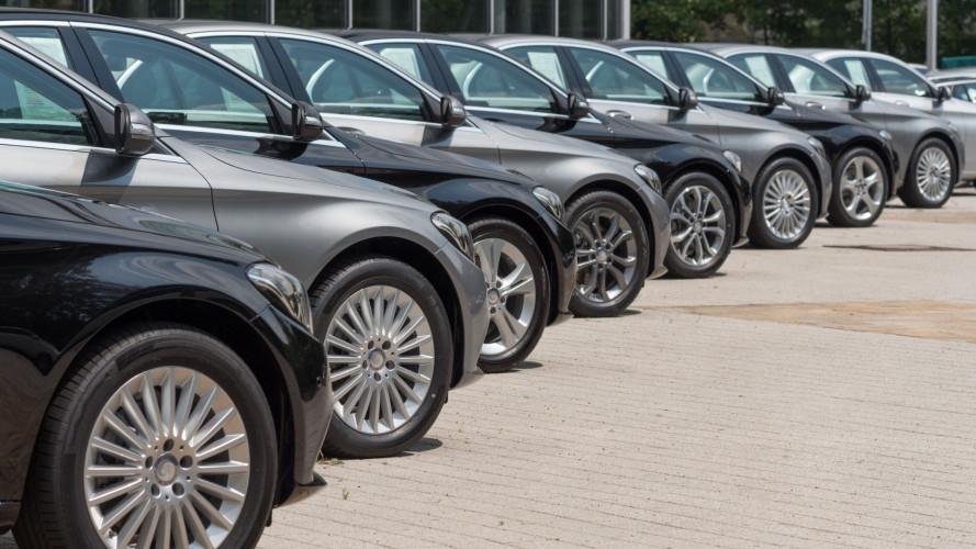 Auto, nel 2017 sfiorati i due milioni di immatricolazioni. Boom del noleggio