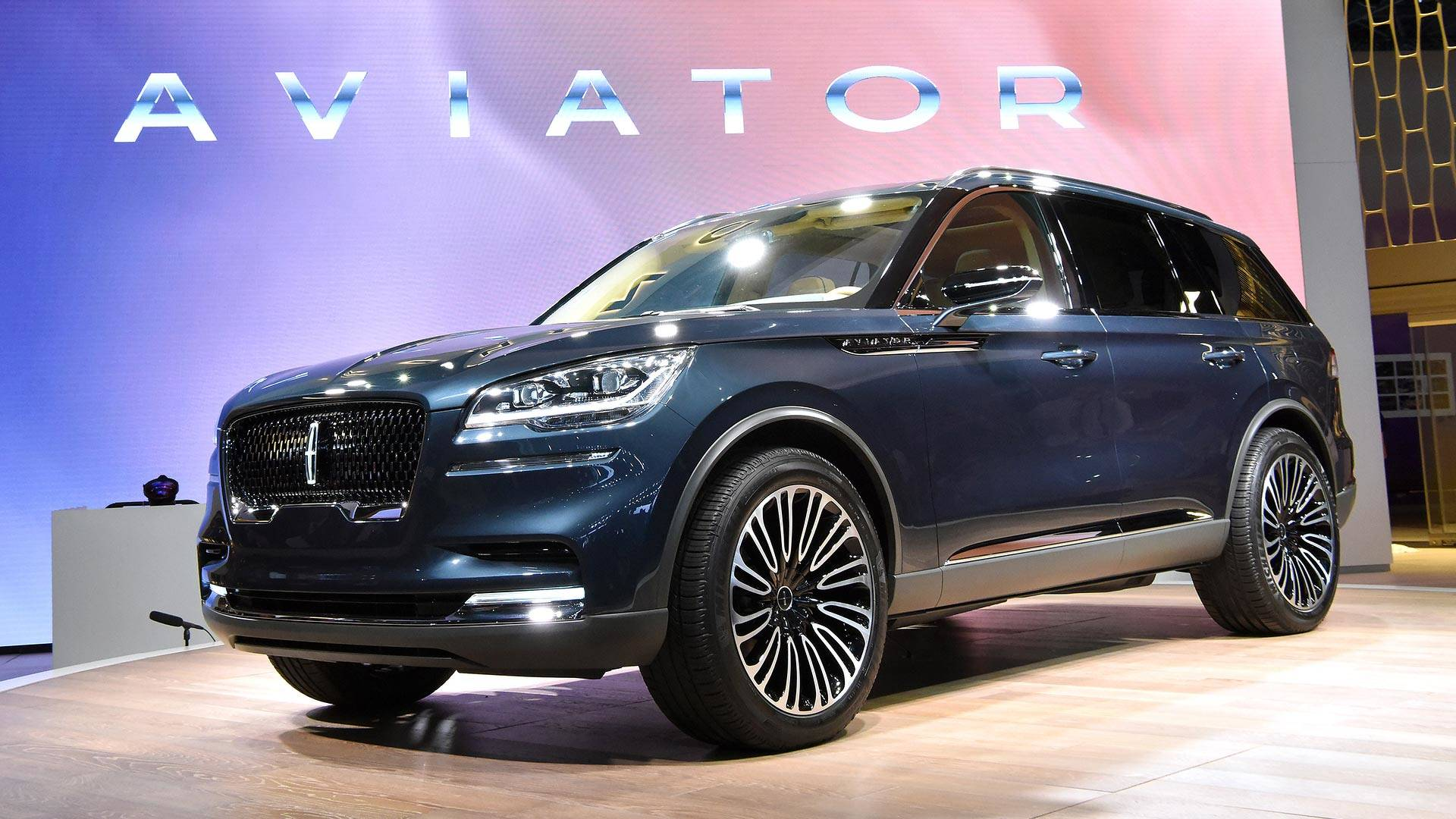 Lincoln Aviator Flies Into New York As A Preview Of What S To Come