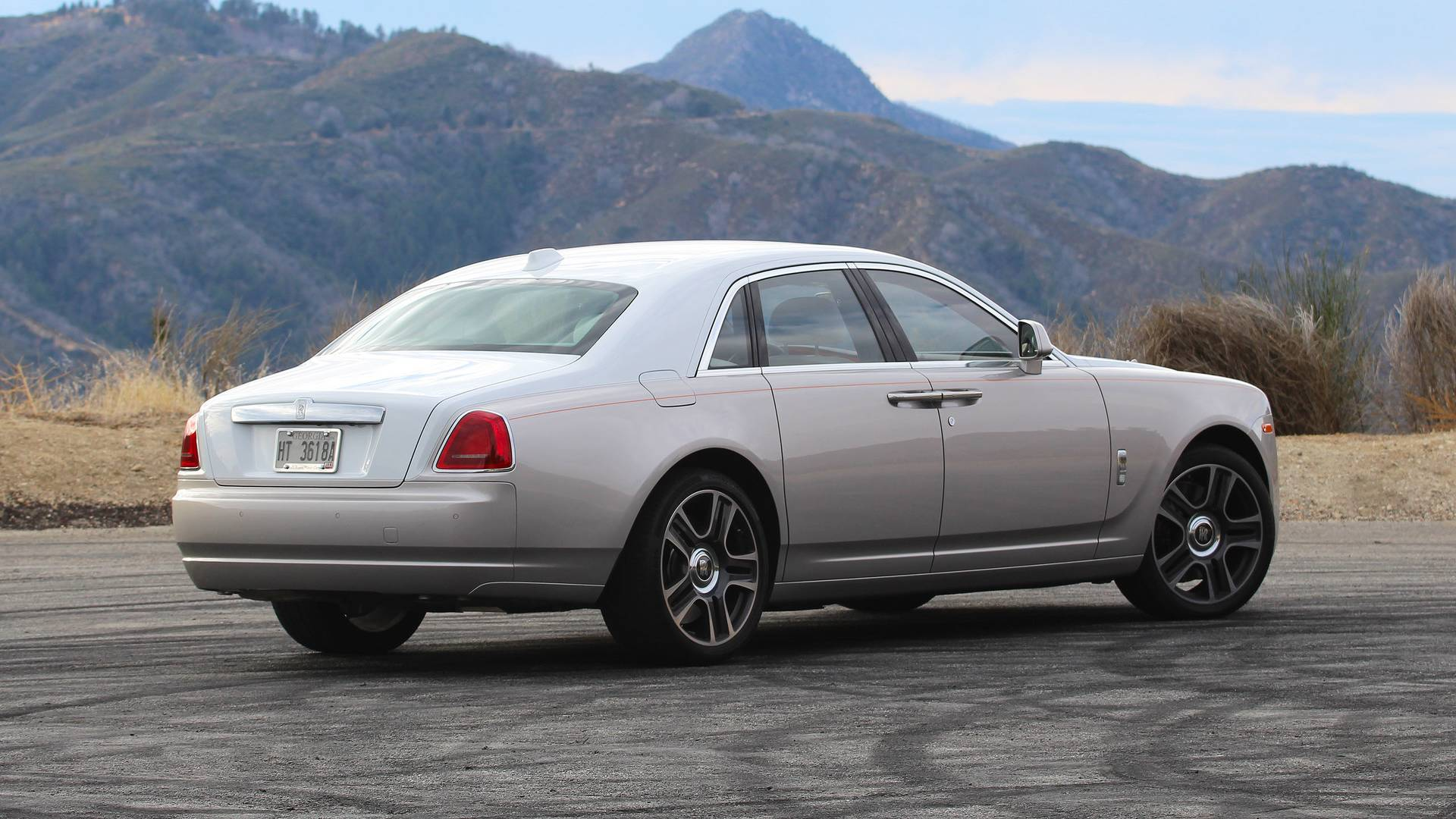 355f4d660e61 2018 Rolls-Royce Ghost Review  Living Like The One-Percent