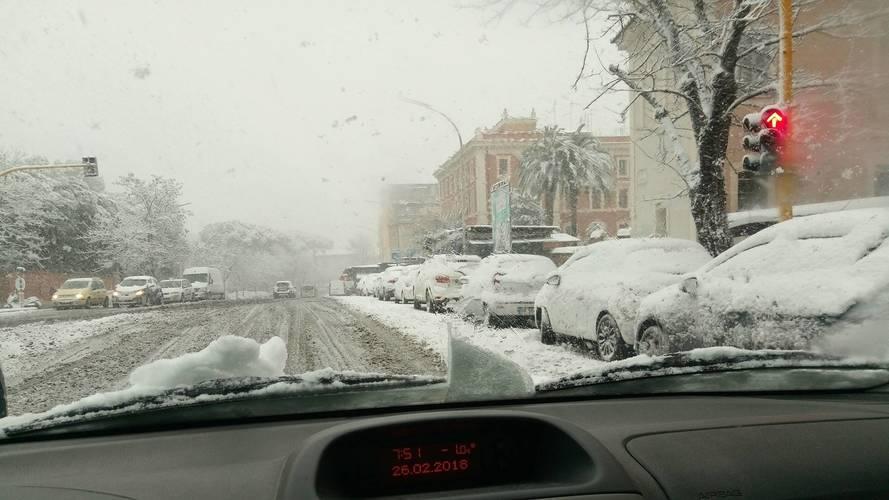 Neve a Roma, tutte le informazioni per circolare nella Capitale