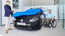 VW delivers 200,000th R model