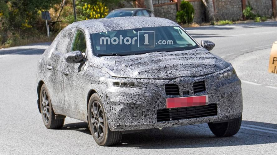 Renault Captur Coupe spy photos
