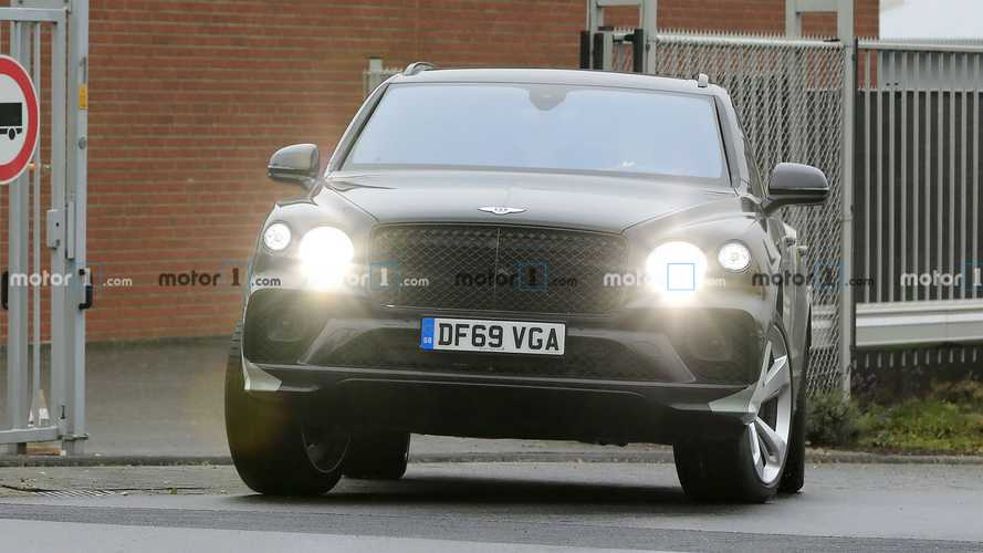 Bentley Bentayga long wheelbase spy photos