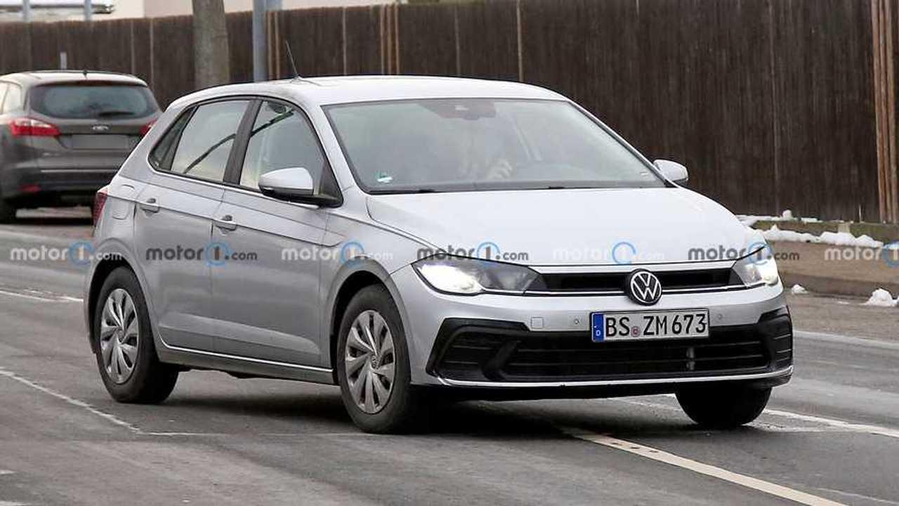 2022 VW Polo facelift spy photo