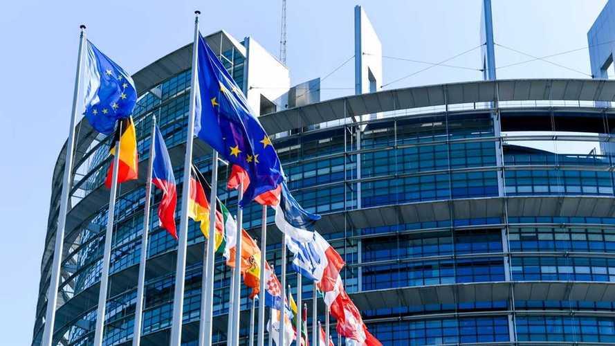 Lotta alle emissioni: l'Europa deve accelerare su flotte e colonnine