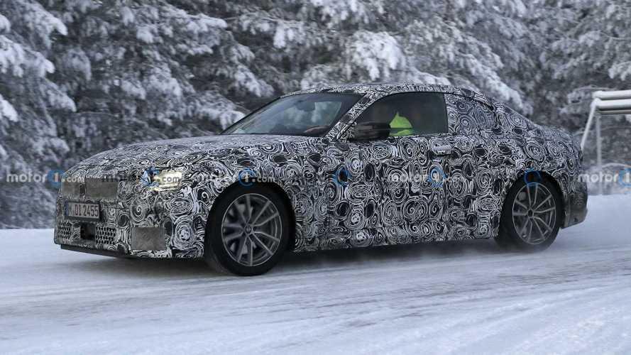 2021 BMW 2 Serisi Coupe, kış testlerinde görüntülendi