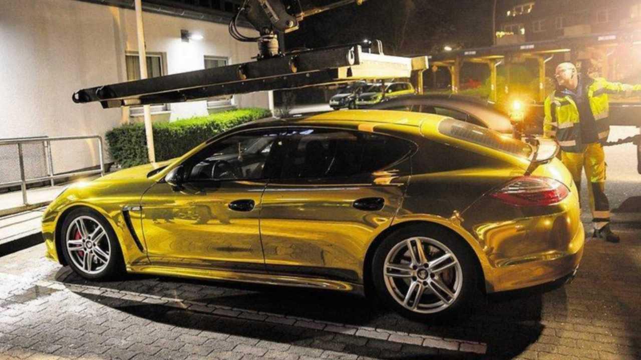 Porsche Panamera dorée